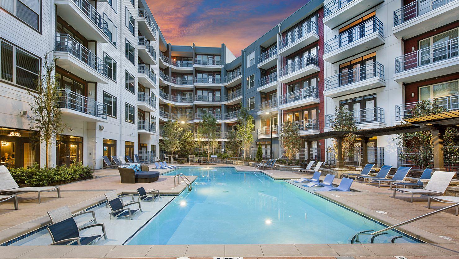 Bell Glenridge Pool Courtyard